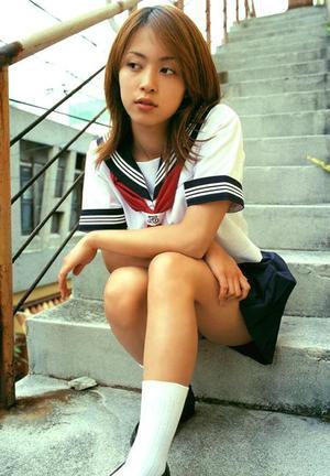 [動画アリ]岩佐真悠子のアレが見えてる映像発見!撮影現場裏映像も・・。
